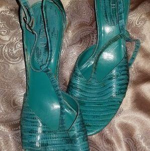 Michelle D   Turquoise Kitten Heels